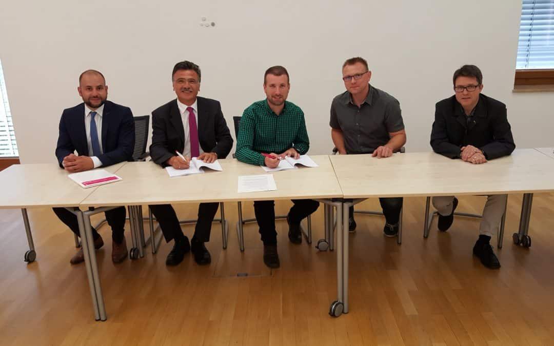 Schonungen unterschreibt Kooperationsvertrag mit der Telekom