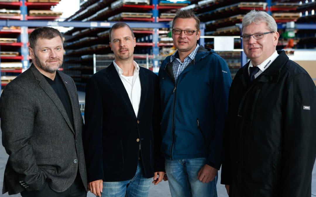 Köstner Stahlzentrum: Starke Mannschaft mit vier Jubilaren