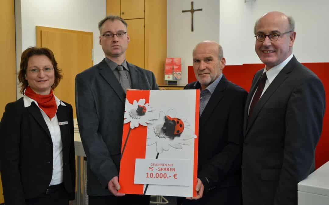 PS-Sparen beschert Kunden der Sparkasse Schweinfurt 10.000 Euro