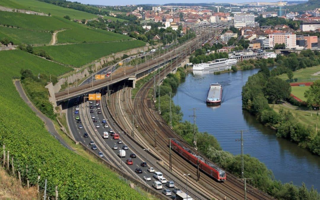 Mit der Mainfrankenbahn und dem Main-Spessart-Express den Stau umfahren