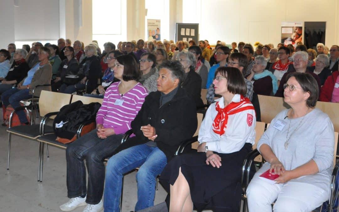 """Malteser Hospiztag in Würzburg: Über 100 ehrenamtliche Hospizhelferinnen und –helfer erfuhren """"was uns Kraft schöpfen lässt"""""""