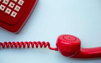 Trotz sinkender Fallzahlen steht das Bürgertelefon des Gesundheitsamts weiter zur Verfügung
