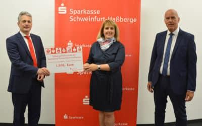 Sparkasse Schweinfurt-Haßberge spendet 1.500 Euro aus den Erträgen der Stiftergemeinschaft