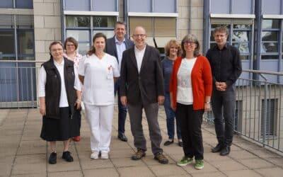 Dienstjubiläum: Drei Jahrzehnte im Krankenhaus St. Josef
